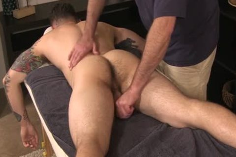 Cheerful Ending Massage