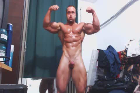 Muscle guy Jerks Off On webcam