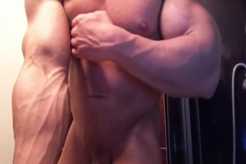 Bodybuilder Shower, Flex And cum