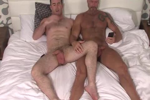 Silver Fox Dallas Steele And Clean Cut 10-Pounder Matthew Bosch sperm together