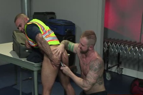 Muscle Bear fake penis And anal spunk flow