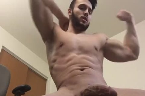 juicy Hunk Shows Off His Body And Cums On Himself