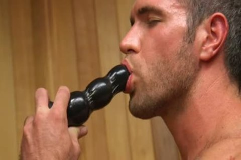 Muscle homosexual dildo With cumshot