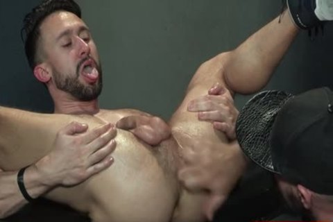 Muscle Bear Foursome With spunk flow