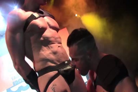 Gabriel Lunna & Marc Ferrer homosexual poke On Stage VEP 2017