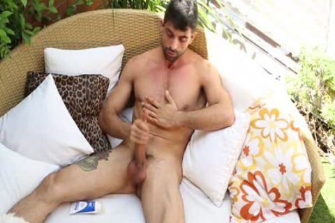 LUCIO SAINTS PRESENTS - ARON ARMADA - SOLO