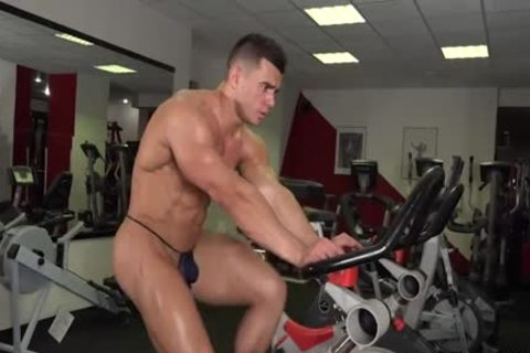 Mikhail Working Out