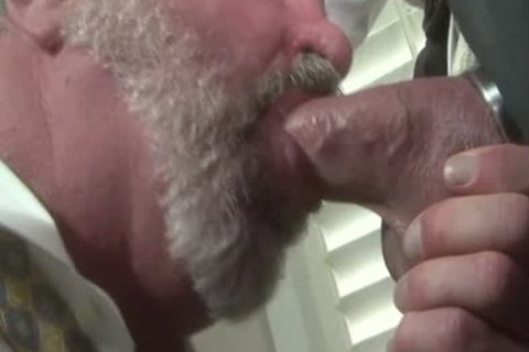 excited daddy Traigh-chap Want To bang