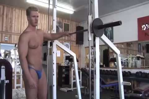 Kevin S Works Out naked