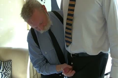 older Business men suck penis And bone