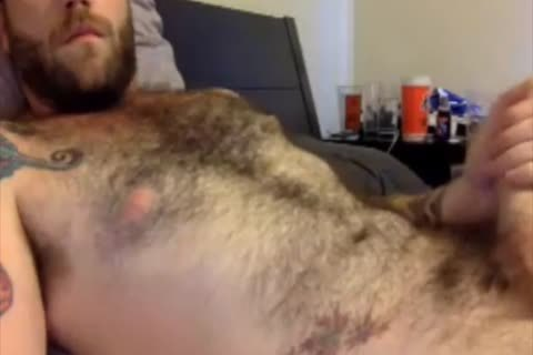 This hairy Dilf loves To jerk off Off On web camera
