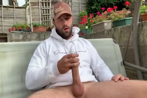 sexy guy Jerks Off