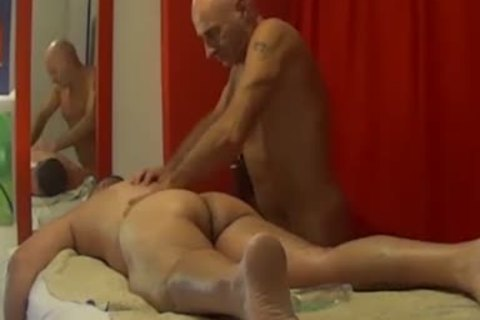 undressed BODY MASSAGE homosexual FOR males By Nudemassage