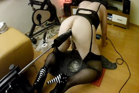 Fuckingmachine And Two Dildos, For My domme! THX!