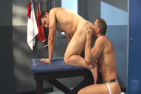 David Dakota Rides Chris Thomas - penis Tease