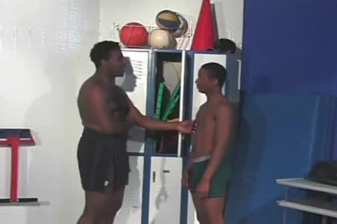 Petite black guy slams His powerful ally In The Rear