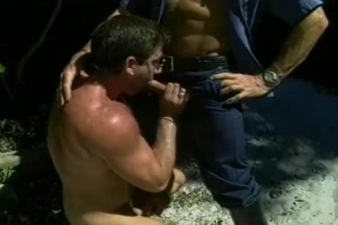 Two filthy Cops acquire A dude On His Knees To suck 10-Pounder