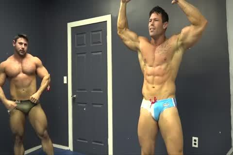 Muscle studs Zach & Joey Wrestle