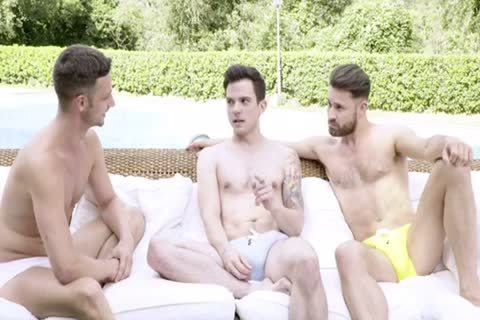 bare POOLSIDE 3some