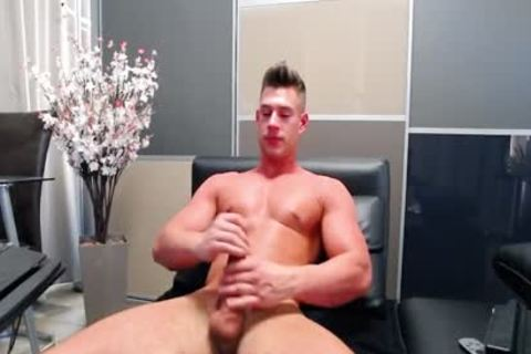Flirt4Free - Aiden Kay - sexy Blue Eyed College guy Jerks His biggest 10-Pounder
