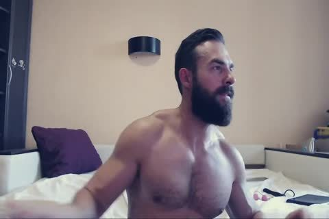 Bearded guy On cam Using A dildo Part 1