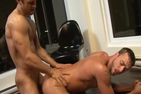 Gabriel And Jesse urinate And bang
