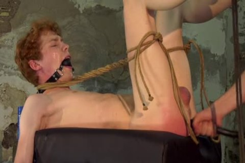 dom twink Barebacks His Sub After Restraining Him