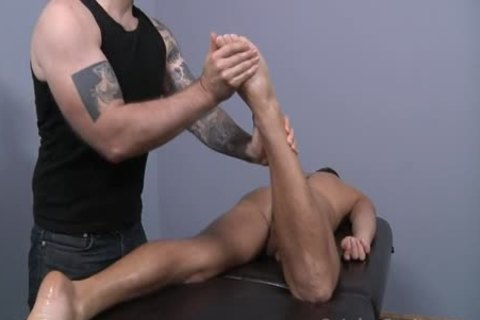 Who Doesn't Want A Massage Like This ?