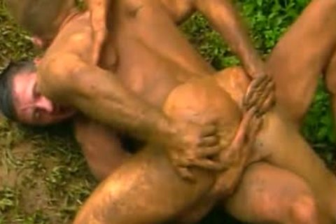 Island Guardian - Daddy hammers His Son In The Mud