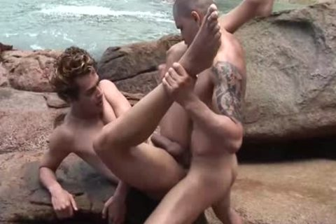 collision A slutty man At The Beach And nail His wazoo