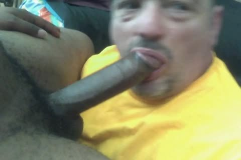 Ultimate no-gag throating of a 9-inch darksome 10-Pounder