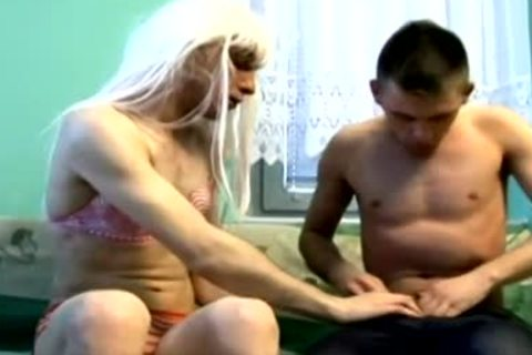 blond cross dresser takes it naked in the ass