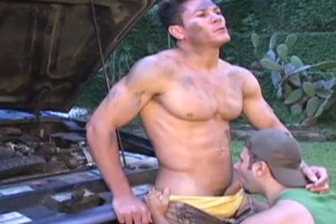 Muscle Ripped Mechanic acquires team-drilled